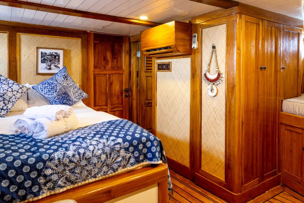 Ikan Terbang - Main bedroom | Hello Flores