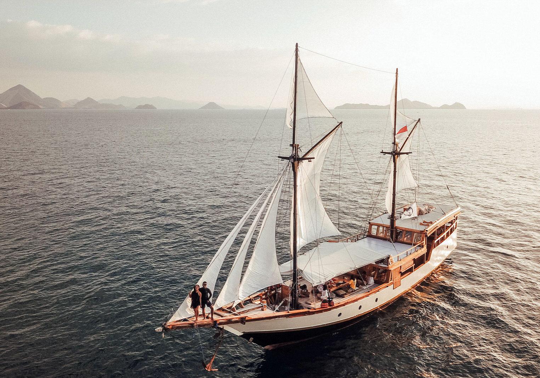Samara Liveaboard Heading to Paradise | Hello Flores